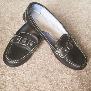 Tommy Hilfiger loafers flats 8.5 black and silver
